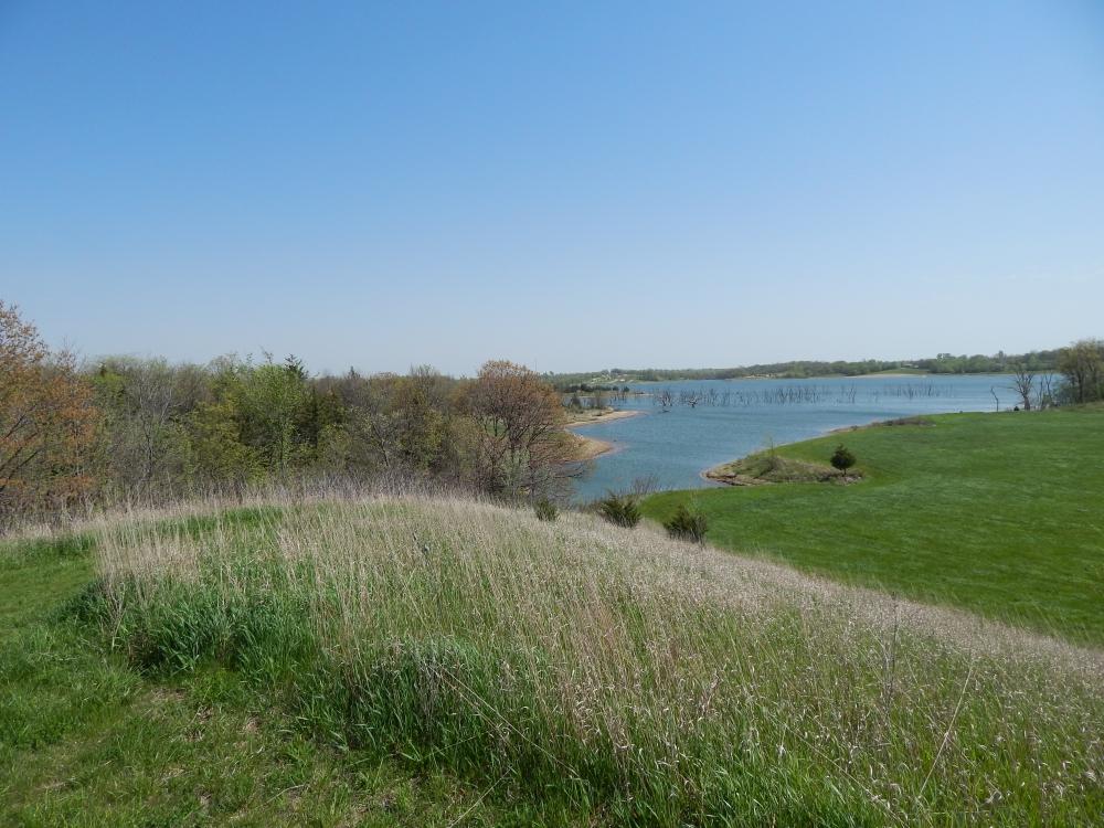 Hiking Mozingo Lake Recreation Park